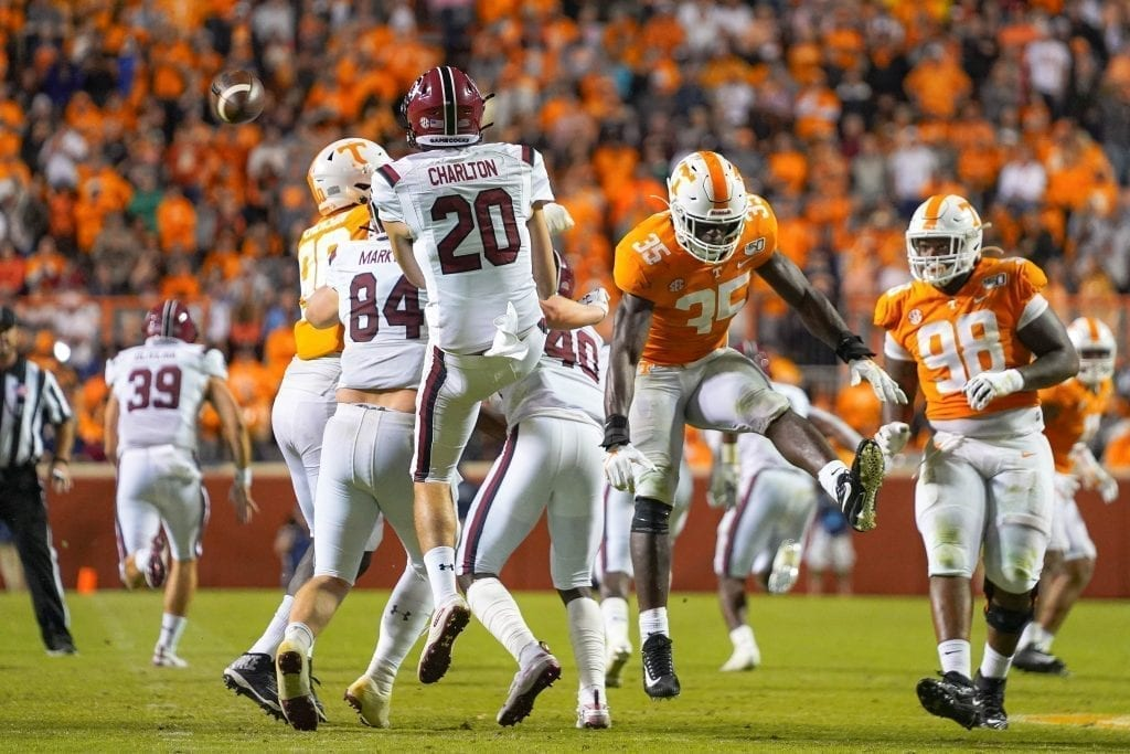 Tennessee linebacker Daniel Bituli (35) blocks Joseph Carlton's (20) punt when Tennessee played South Carolina in Neyland Stadium on October 27, 2019. Photo/ Ben Gleason