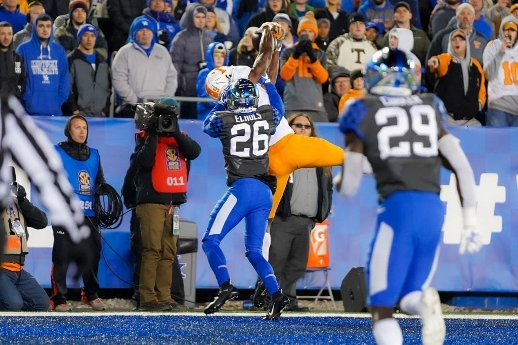 Tennessee wide receiver Josh Palmer (5) makes a touchdown catch when Tennessee played Kentucky in Kroger Field on November 9, 2019. Photo/ Ben Gleason
