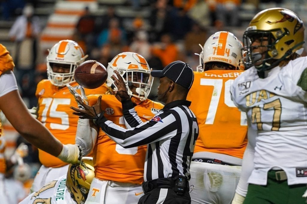 Tennessee running back Eric Gray (3) tosses the ball to an official when Tennessee played UAB in Neyland Stadium on November 2, 2019. Photo/ Ben Gleason