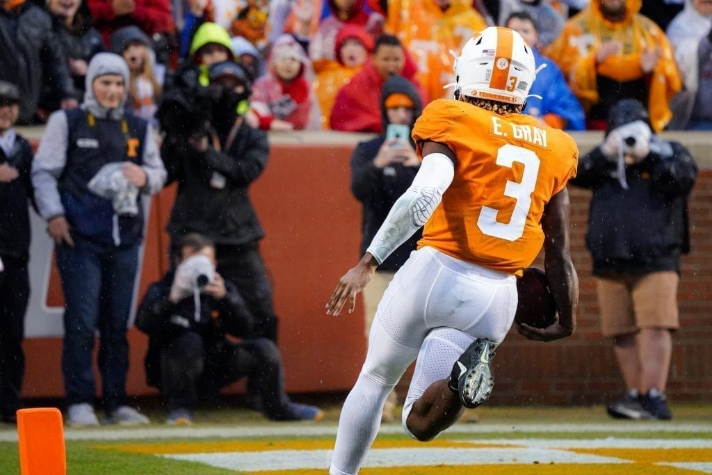 Tennessee running back Eric Gray (3) crosses into the end zone when Tennessee played Vanderbilt on Nov. 30, 2019. Photo/ Ben Gleason