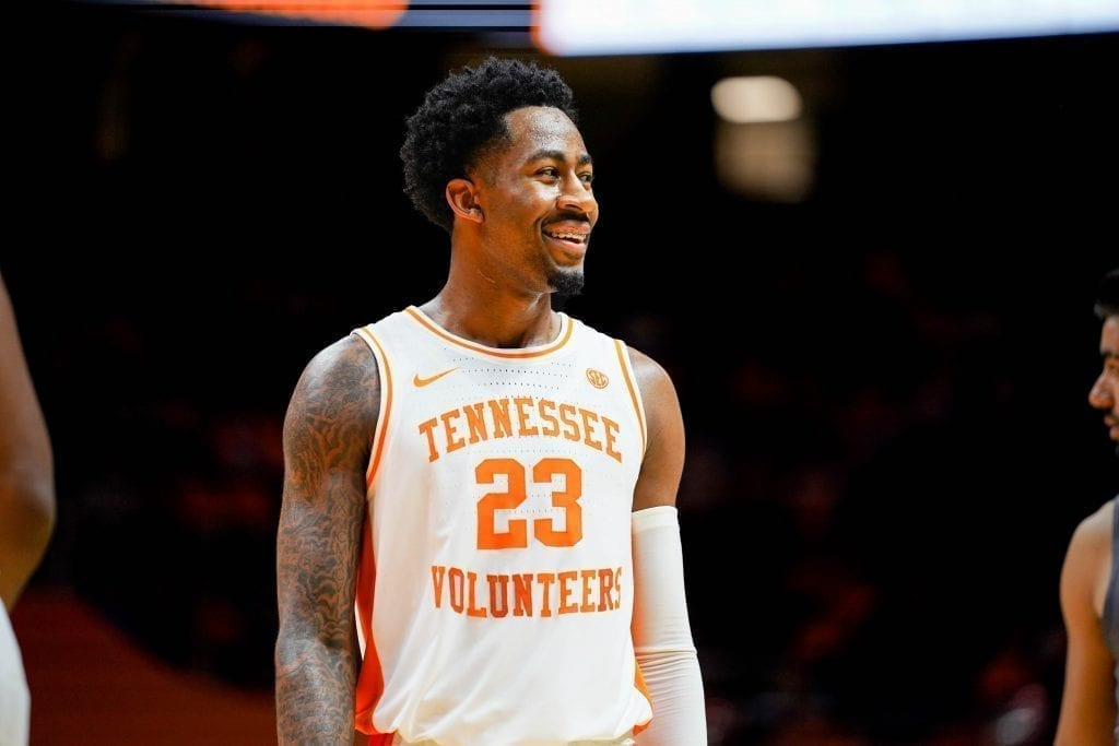 Vols hang on to beat SC